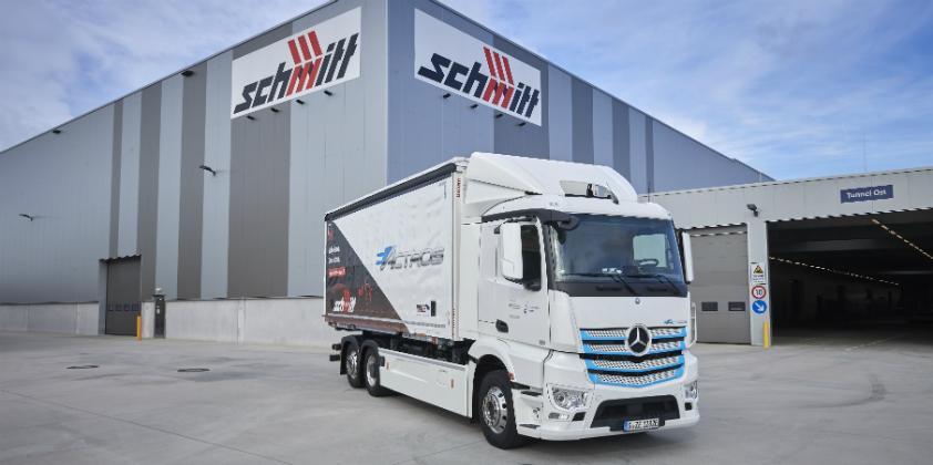 Fully electric Mercedes-Benz eActros in practical testing at Logistik Schmitt