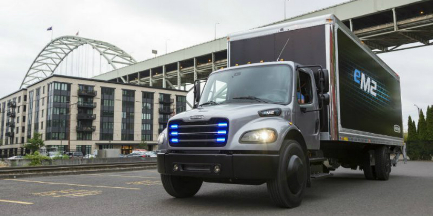 Daimler delivers the first electric Freightliner truck to Penske Truck Leasing in US