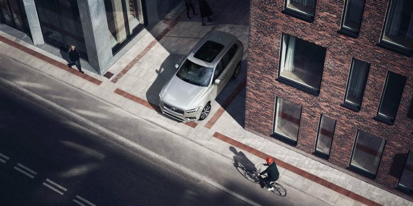 Volvo Cars and POC collaborate to develop Car-Bike Helmet crash test
