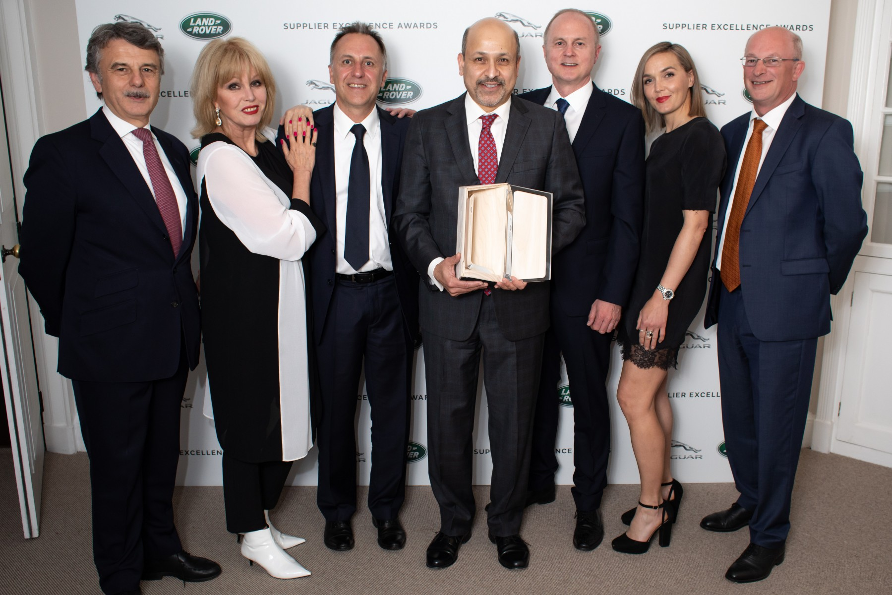Visteon wins Jaguar Land Rover supplier excellence award