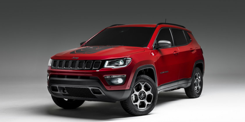 Jeep unveils the PHEV versions of the Renegade and Compass